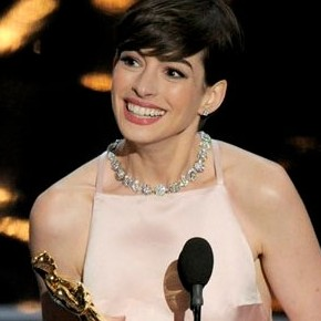 Oscars 2013: The Best Tweets About Anne Hathaway