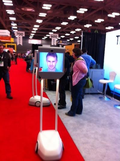 tradeshow-robot