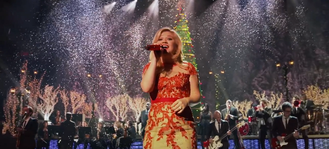 kelly_clarkson_christmas - Song Of The Week: 'Underneath The Tree' By Kelly Clarkson - @dinoray