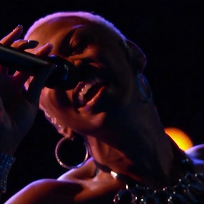 Sisaundra Lewis is this Season's Judith Hill on 'The Voice'