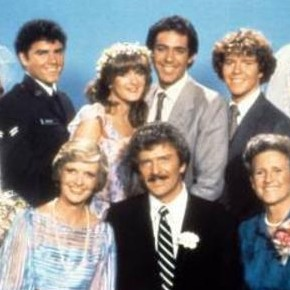 I Sat Through An Episode of This 'Brady Bunch' Spin-Off and You Should Too